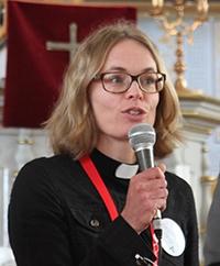 Jenny Dobers kyrkoledare,gillar gå i Pridetåg